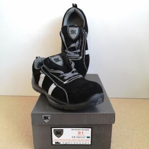 S1 Munkavédelmi cipő 39 méret